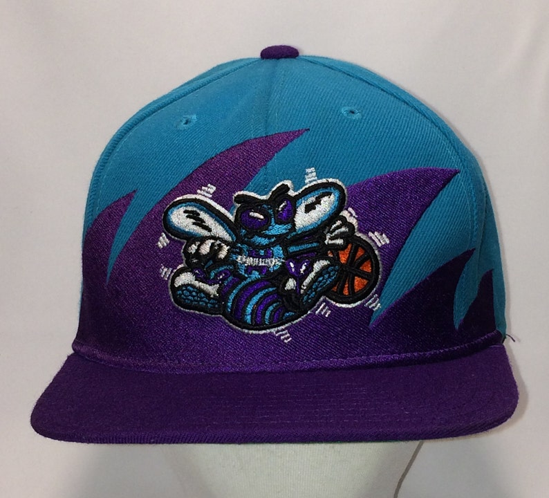 49534d2c1f8 Charlotte Hornets Basketball Hat Shark Tooth Mitchell   Ness