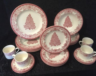 Staffordshire Engraving Yuletide Red Set of 4 5Piece Place Settings