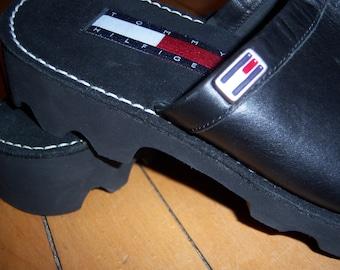 Vintage Tommy Hilfiger Women's Mules Clogs Slip on Sandals Black 9 M Leather