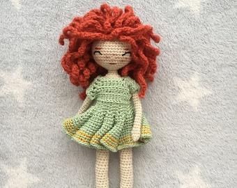 English crochet pattern Mia the doll/Patrón de ganchillo la muñeca Mia