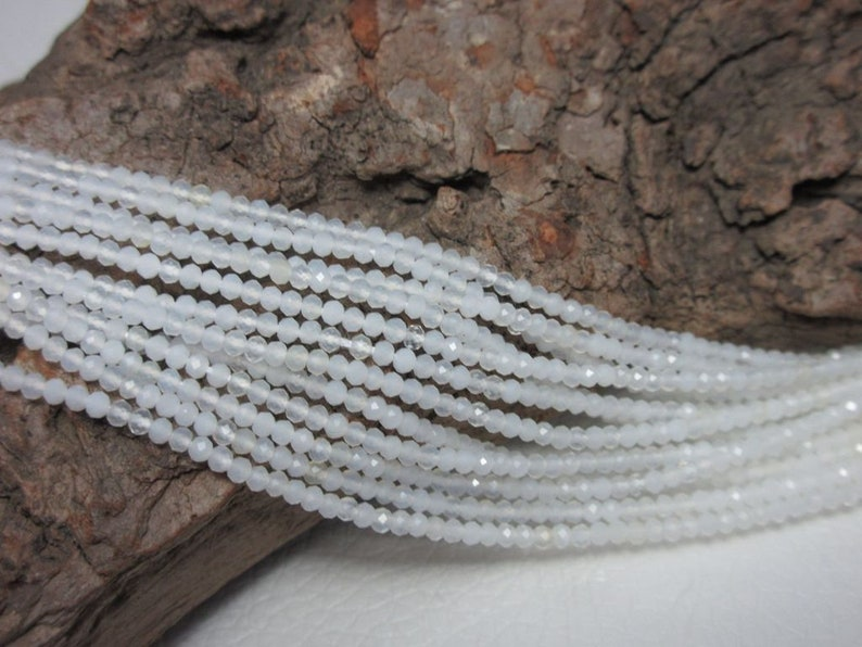 Milk opal strand top quality 2 mm strand 43 cm long