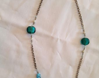 Necklace Silver with turquoise blue stones and beads