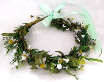 wreath with a camomile and a wreath with flowers bezel with flowers