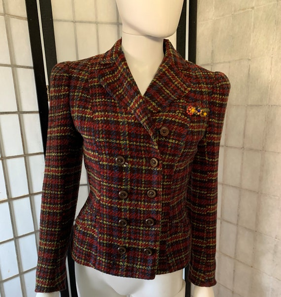 Fabulous Wool Plaid Jacket with Attached Brooch 19