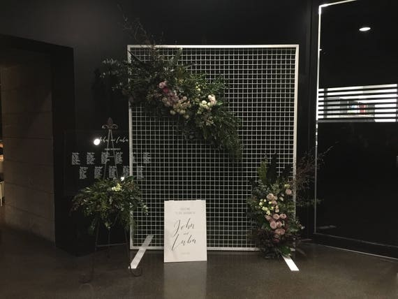 Mesh Wire Wedding Backdrop Screen. Floral Mesh Display Screen