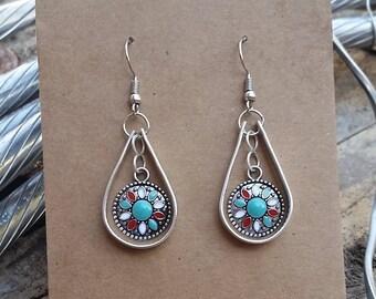 Lightweight silver tone dangle earrings