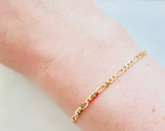 Solid gold chain bracelet - Figaro chain bracelet - Dainty figaro chain bracelet - Layering bracelet - 21st birthday gift for her