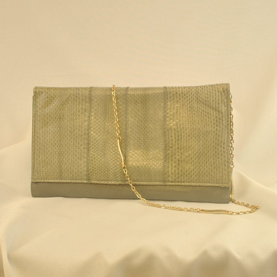 1970s Gray Snakeskin Envelope Clutch Bag with Chai