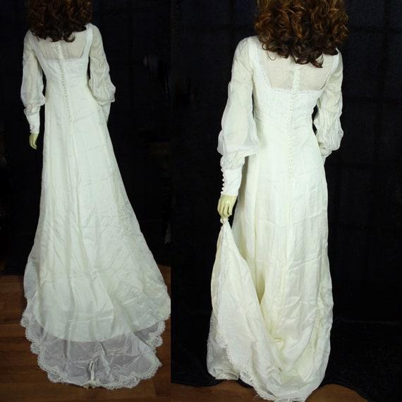 Vintage 60s 70s Wedding Dress * Juliet Sleeves * L