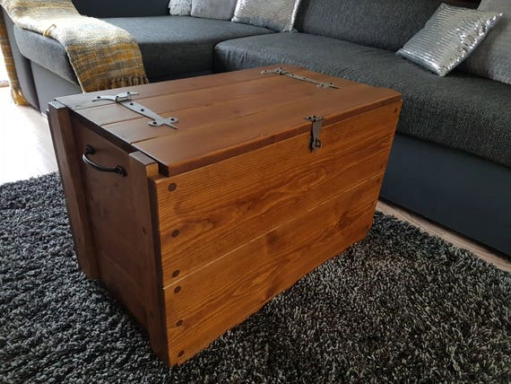 cheap for discount a5ed7 1c31a Rustic Wooden Chest Trunk Blanket Box Vintage Coffee Table