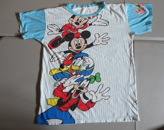 True Vintage 90 s All Over Print Mickey Mouse Gang Nightshirt Pajamas Disney  Minnie Mouse Mickey Mouse Donald Duck Goofy Tshirt Fits XL 453b9bed2