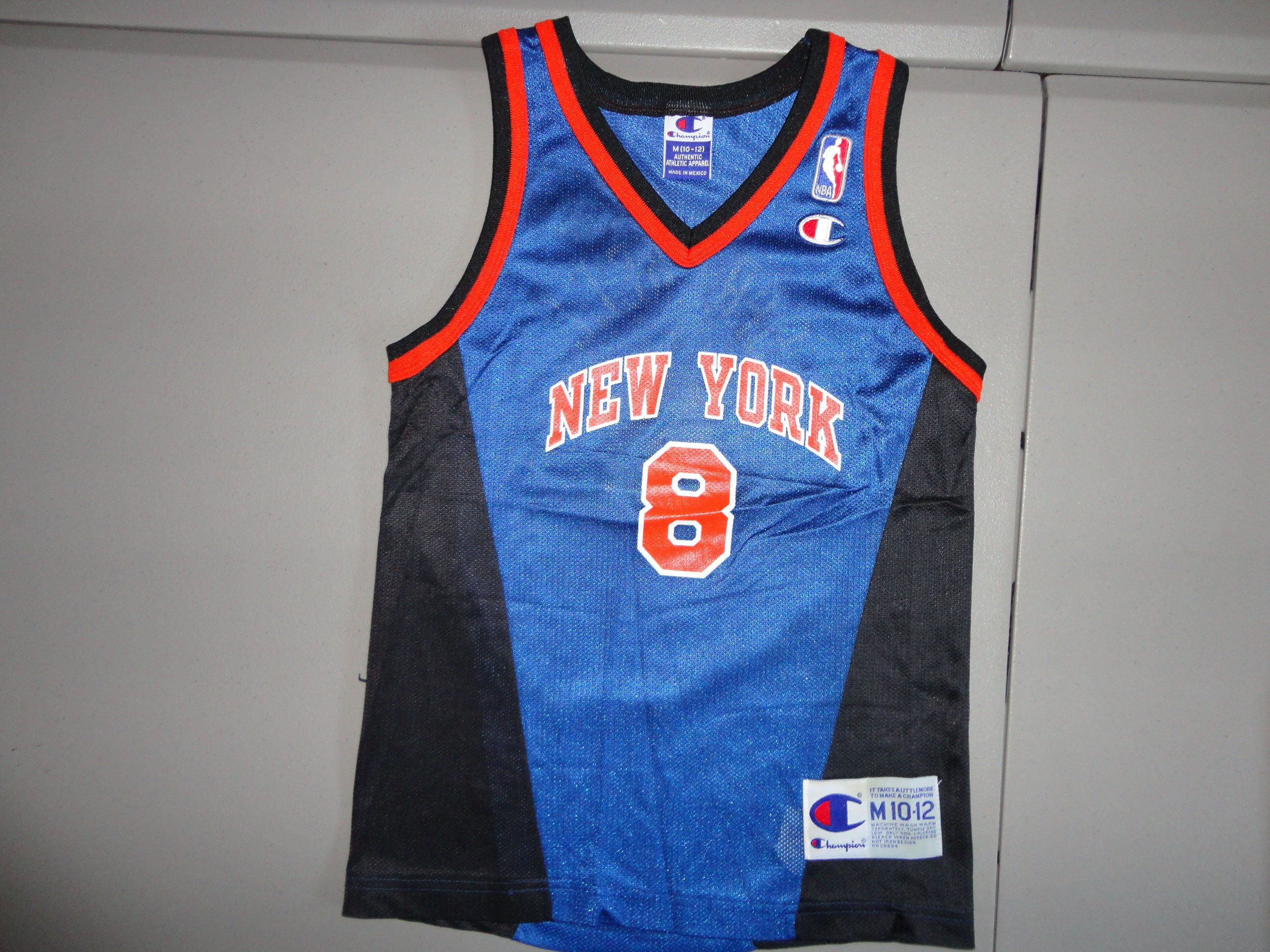 Vintage Champion 90 s New York Knicks 8 Latrell Sprewell  013397d39