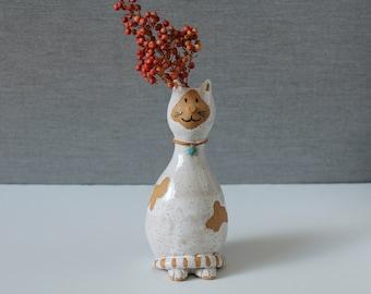 Ceramic White Cat Vase, Handmade Ceramic Vase, Single Flower Vase, Animal Sculpture, Whimsical Clay Animals, Gift for Mom