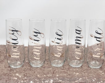 Rose gold bridesmaid champagne flutes- bridesmaid gift- personalized champagne flute- bridemaid proposal- glass champagne custom for bridal