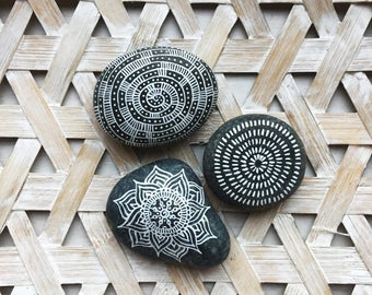 Mandala stones / boho / decoration / mandala / handmade / home decor / crafts / mandala art / interior / bohemian