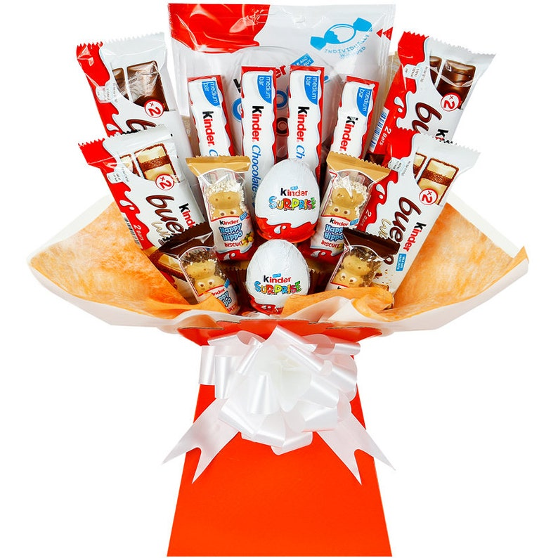 bbb38379f65905 Kinder Chocolate Bouquet Hamper