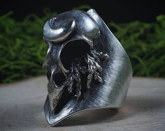 Sparrow Skull & Moon Shield Ring | Size 6.75 | Sterling Silver