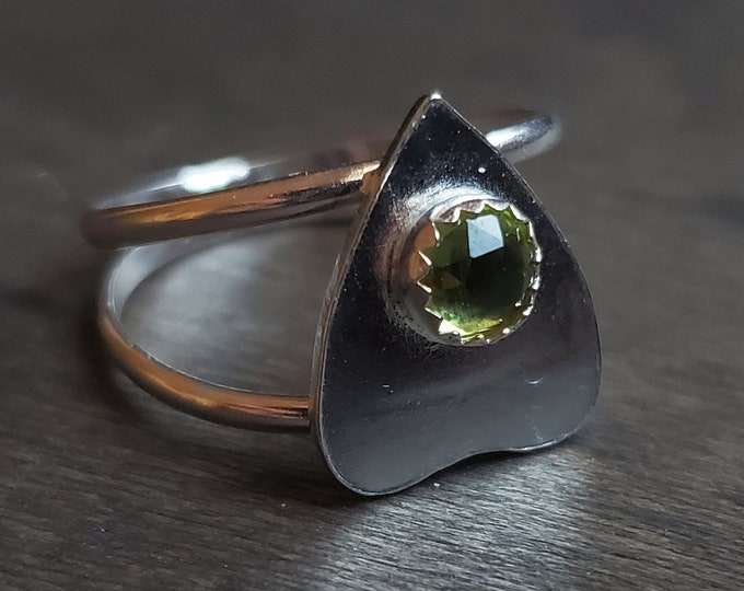 Peridot Planchette Ring | Size 8.5 | Sterling Silver