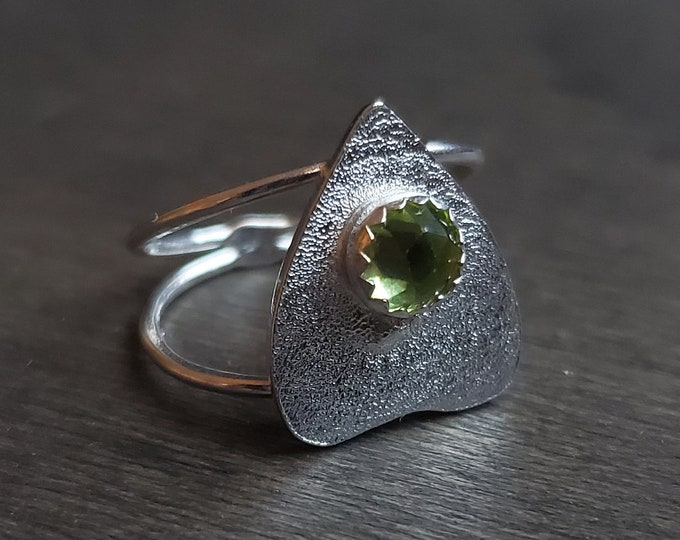 Peridot Planchette Ring | Size 3.75 | Sterling Silver