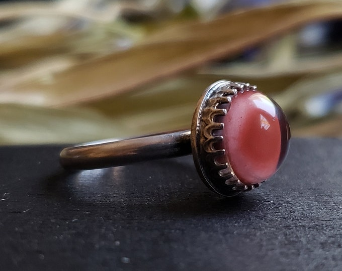 Albino Raccoon Glass Eye Ring Size 7.75 | Midi | Sterling Silver