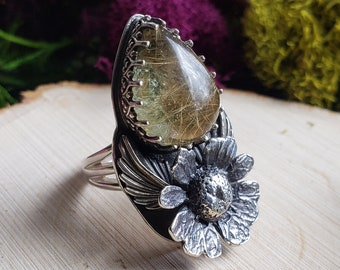 Lodolite Rutile Quartz   Cast Chamomile Flower   Size 5.5   Sterling Silver Ring   Triple Split Band