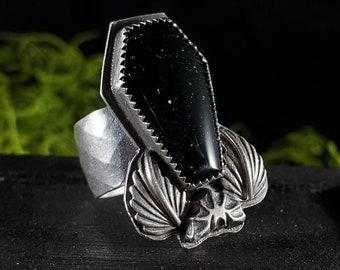 Green Goldstone Coffin & Bat Detail Ring   Size 6   Sterling Silver