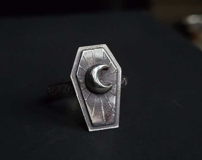 Coffin & Moon Sterling Silver Ring   Size 8