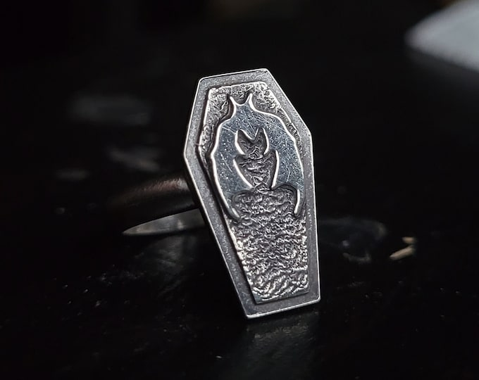 Coffin & Flying Bat Sterling Silver Ring   Size 4.5