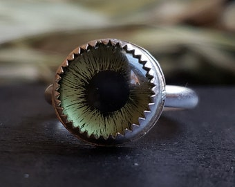 Green Glass Eye Ring Size 6.75 | Sterling Silver