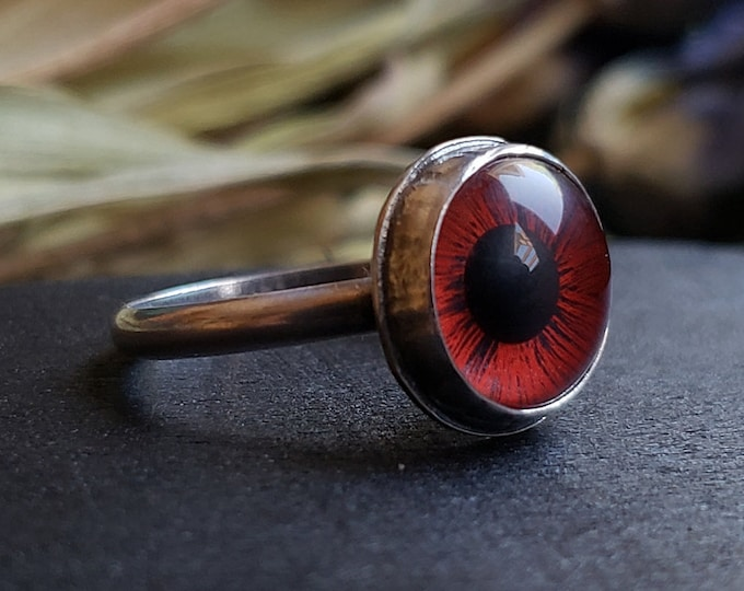 Red Glass Eye Ring Size 6 | Sterling Silver