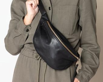 Fanny pack Leather belt bag Crossbody waist purse Bum bag in soft black leather