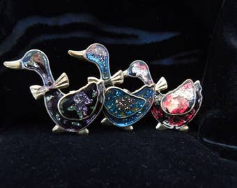 Brooches Gold Tone Glitter Goose Trio Red, Blue and Black Vintage