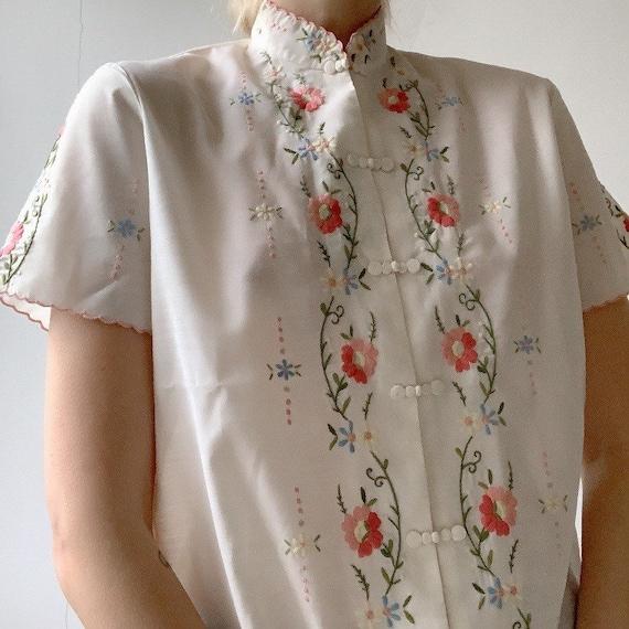 Genuine vintage Chinese hand embroidered otiental