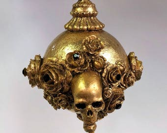 Venetian Paper Mache Christmas Ornament Skulls and Roses Gold