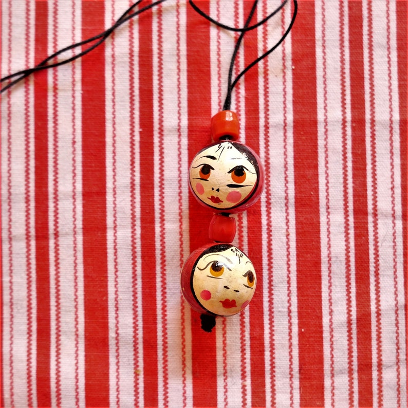 Vintage Wood Pearl Russian Matryoshka Babushka face fashion necklace 70s seventies statement necklace wood jewelry pendant