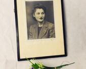 Vintage Antique Photograph - Ebonised - Black and white Photo picture - Lady portrait fashion pretty style pocture (m)