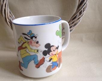 Walt Disney Official Vintage Mug - Mickey Minnie Mouse , Goofy , Pluto , Donald Duck Etc