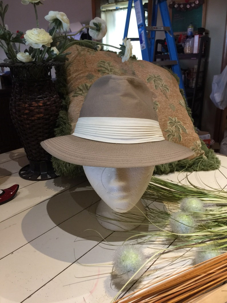 6195348f2 Bee Hats custom made, khaki. Vintage bee , bee hat brand. Very good  condition. Size 6 7/8