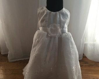 Little Girls White Dress | Church Dress | Spring Dress | Size 24m | Size 2T