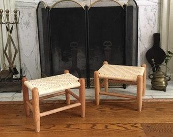 In Stock Woven Varnish Stools Medium New English Footstool Furniture splint weaving Varnish Vintage Looking Pioneer Stool Childs Bench