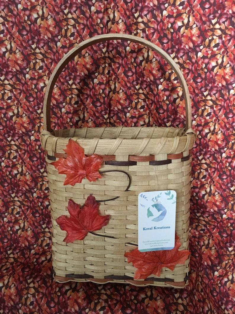 Falling Leaves Basket with Handle  Oak image 0