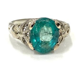 Vintage Art Deco Antique Very Rare Green Emerald 2.70 Carat Filigree 18k Gold Ring 1920s