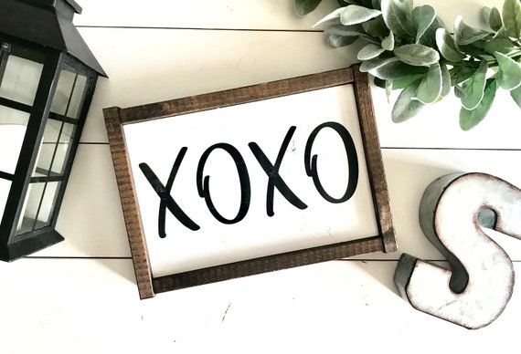 Farmhouse Sign | XOXO | XOXO Sign | Hugs And Kisses | Valentine's Day Sign | Valentine's Decor | Fixer Upper | Modern Farmhouse | Valentines