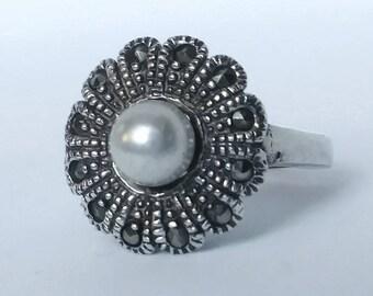 Vintage Sterling Pearl Flower Ring