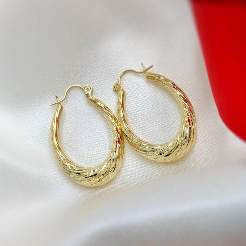 14k Gold Oblong Hoop Earrings 1.25 Long Yellow Gold Vintage Hoops #06774