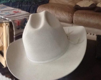 7142be0809f27 Resistol Vintage Cowboy hat. Size 7 3 8