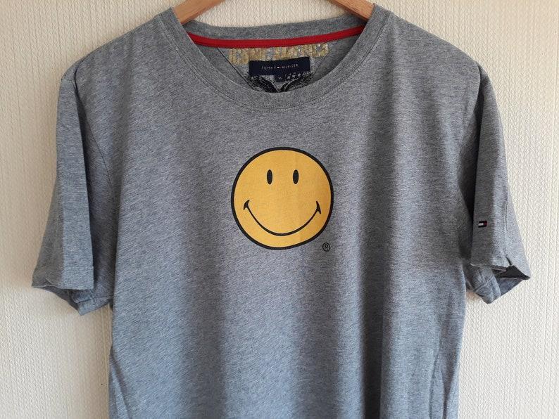 d9fb63709 Vintage t shirt Tommy hilfiger 90s Tommy hilfiger t shirt xl   Etsy