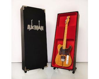 Clash Mini Guitar Keyring /& Pick US