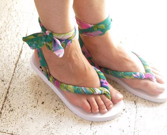 Flipflop, Strip Sandalen, Sommerschuhe, Beach Party schnüren Wohnungen, Banana Sandalen, binden Sandalen, Flipflop mit Schleifen, griechische Sandalen