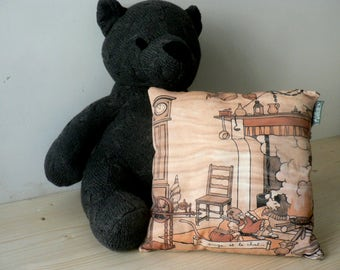 Fable, the monkey and the cat cushion